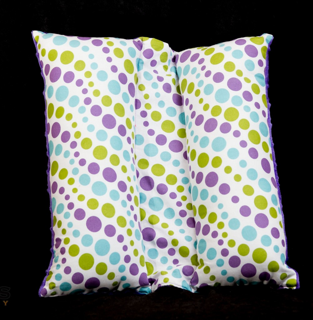 Travel Seat belt pillow in Purple polka dots