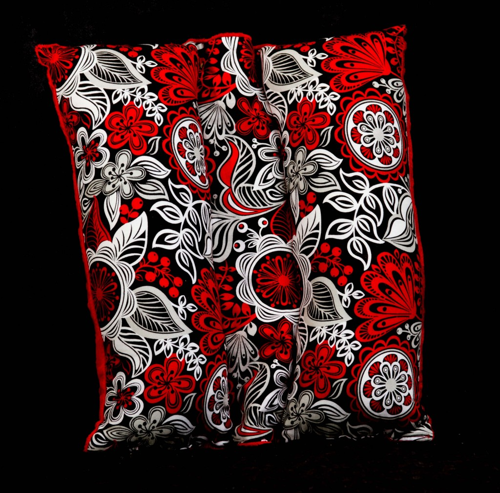 Red print travel seat belt pillow